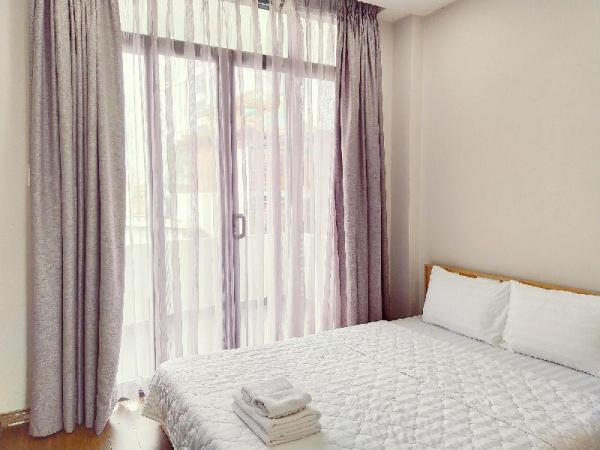 2 BR Apartment with Balcony, near SGN Airport Ho Chi Minh City