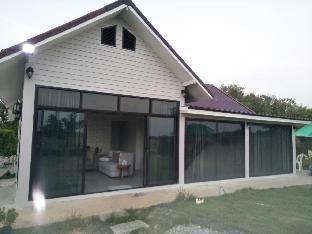 [チャチューンサオ市内中心部]一軒家(100m2)| 2ベッドルーム/1バスルーム Baan Chalalai Modern House