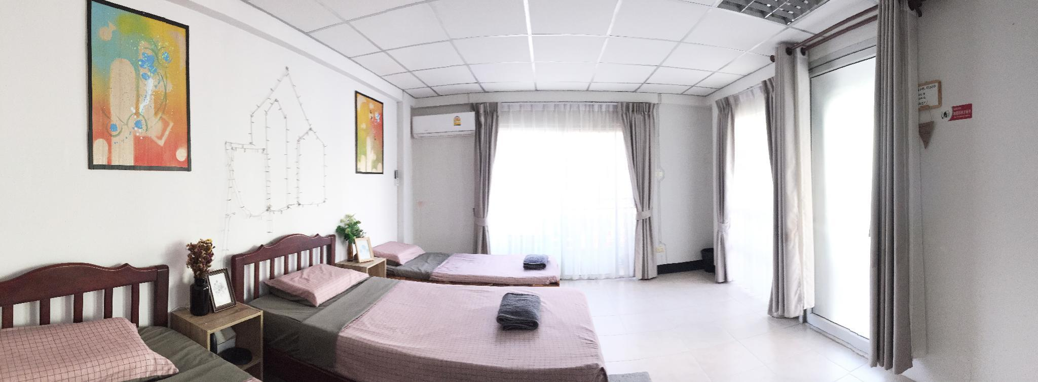 Triple Room With Balcony Near Changkhlan Market C