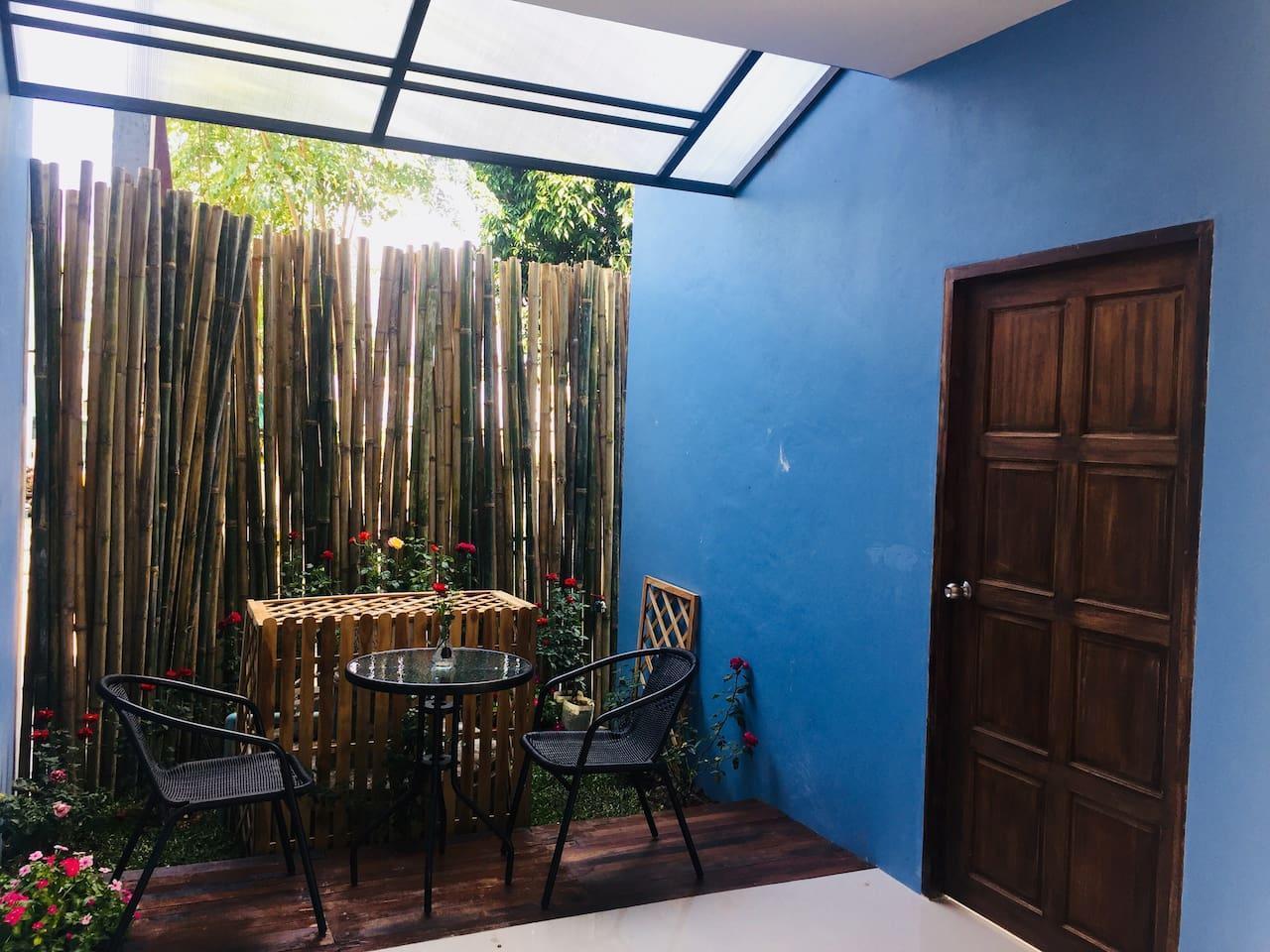 De Rose Hotel ChiangMai 9 ห้องนอน 1 ห้องน้ำส่วนตัว ขนาด 12 ตร.ม. – สนามบินเชียงใหม่