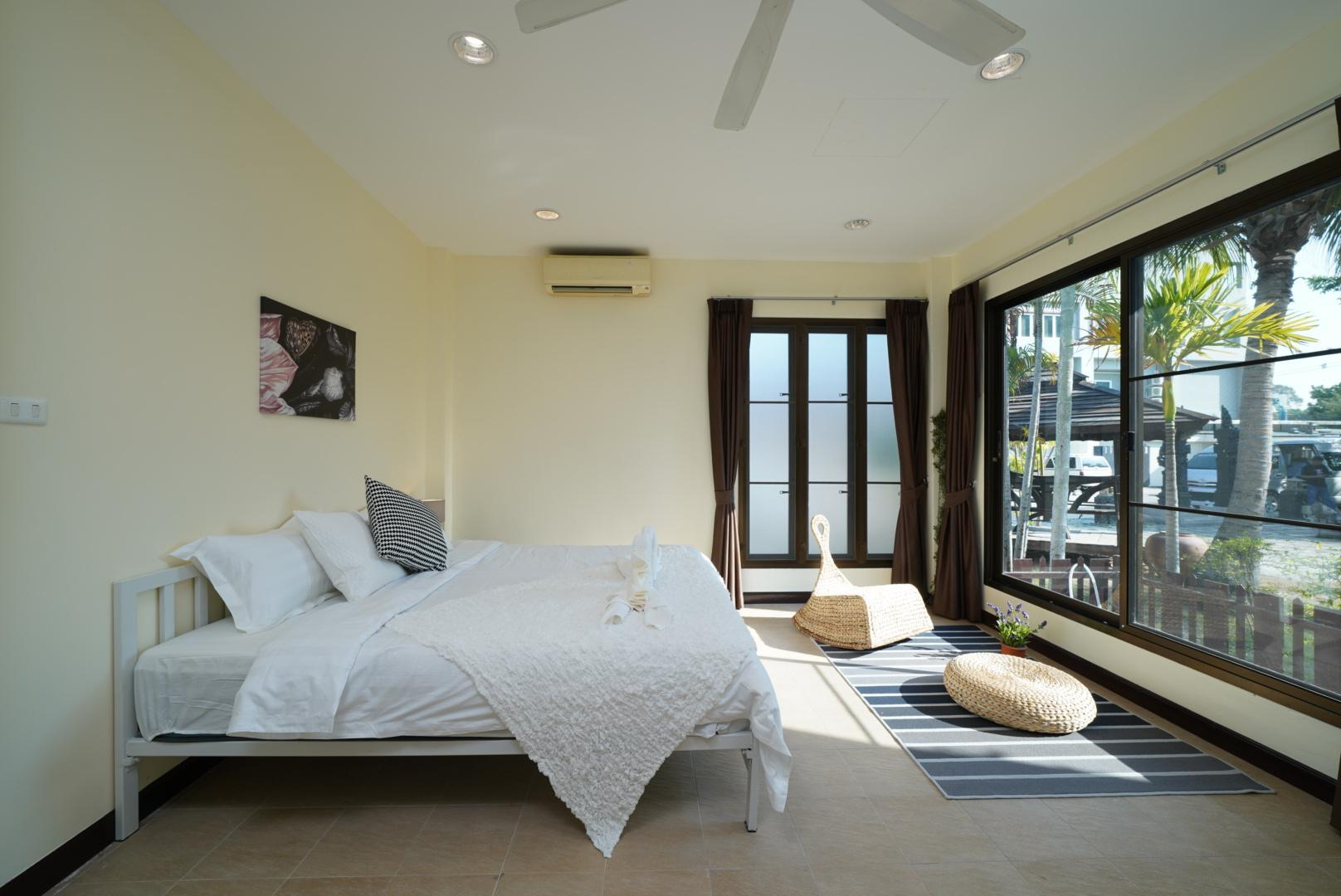 Asia House Pattaya Luxury Four Bedroom Pool Resort