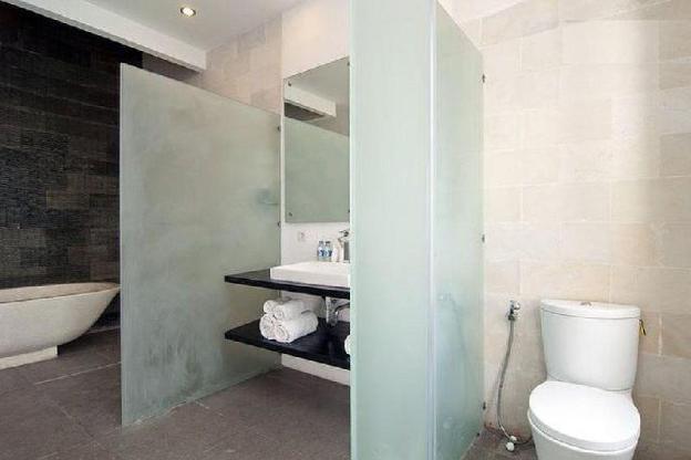 Seminyak Modern New Clean Villa 3 to 8 Bedrooms