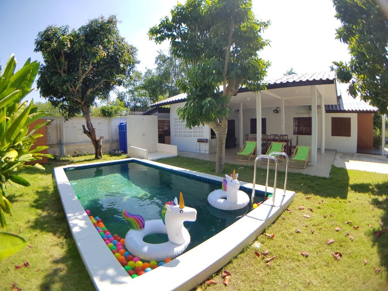 Baan Pool Villa04  Sattahip Bangsaray