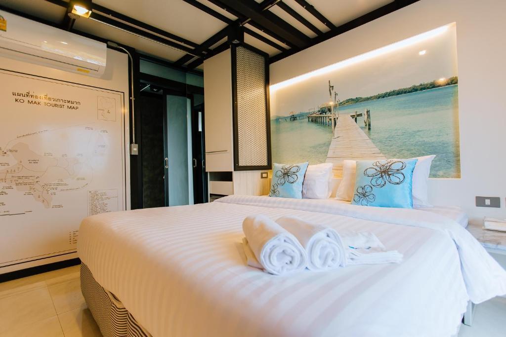 Mawadee Island Double Room 11