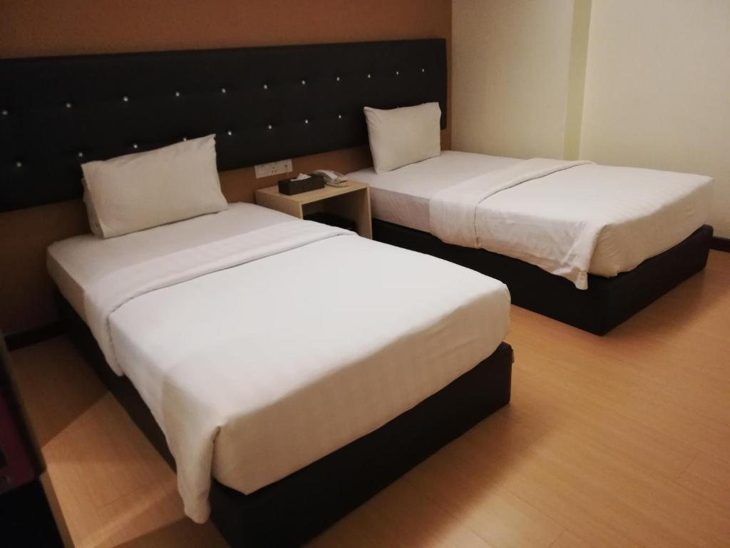 Sleeping Place For 2 Pax Nearby To Casino And Mall