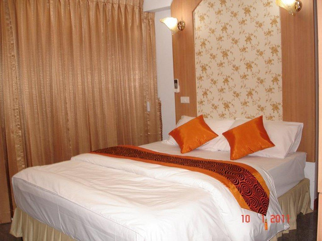 Diamond Sweet Hotel - Superior Queen Bed