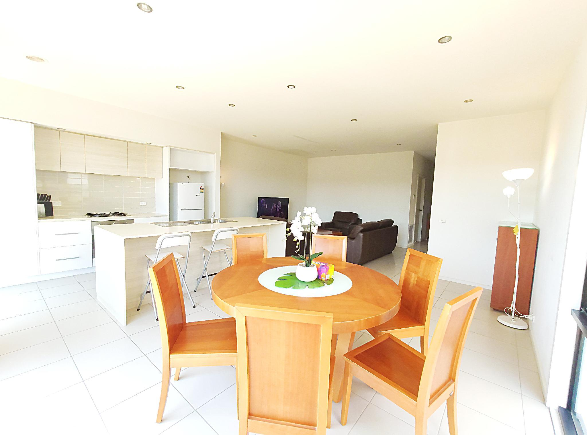 Comfy Quiet 3BR House Close To DeakinandBox Hill