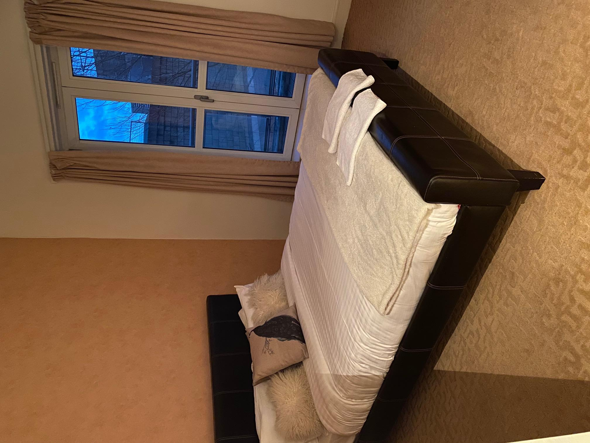 Luxury 1 Bed room next to canary wharf station