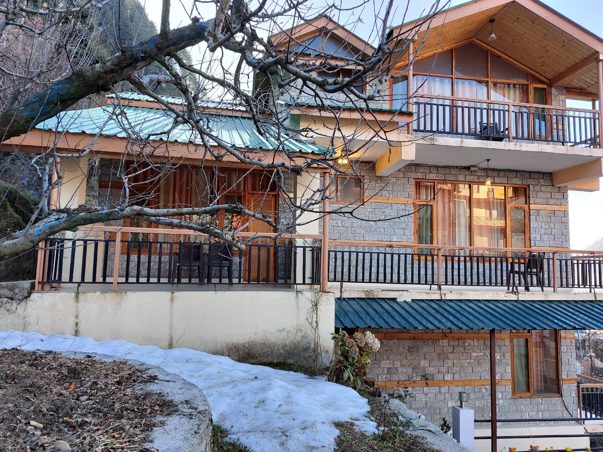 Gold Rock Resort Shavarni Cottage