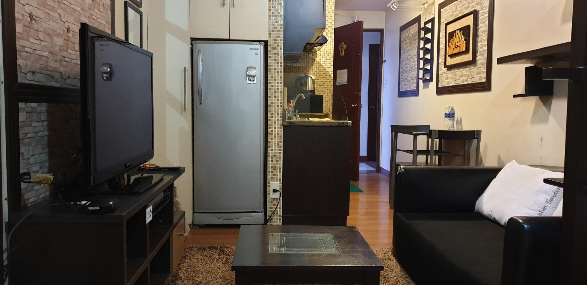 Fully Furnished Unit w/ High Speed WiFi & Cable TV