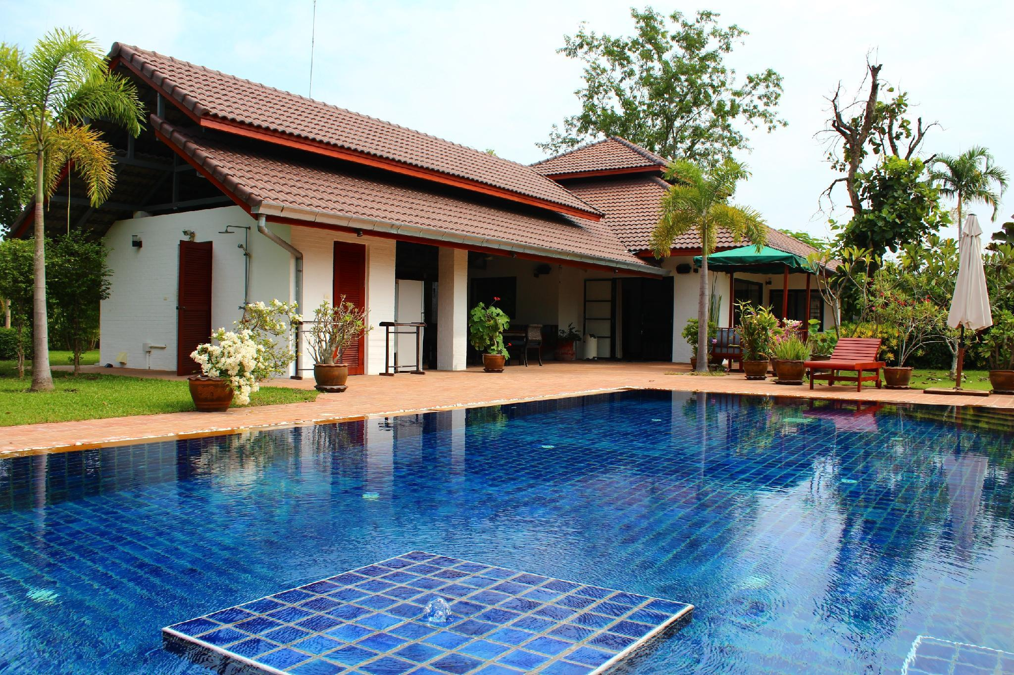 Luxury Villa with swimming pool near Chiang Mai วิลลา 3 ห้องนอน 4 ห้องน้ำส่วนตัว ขนาด 4000 ตร.ม. – หางดง