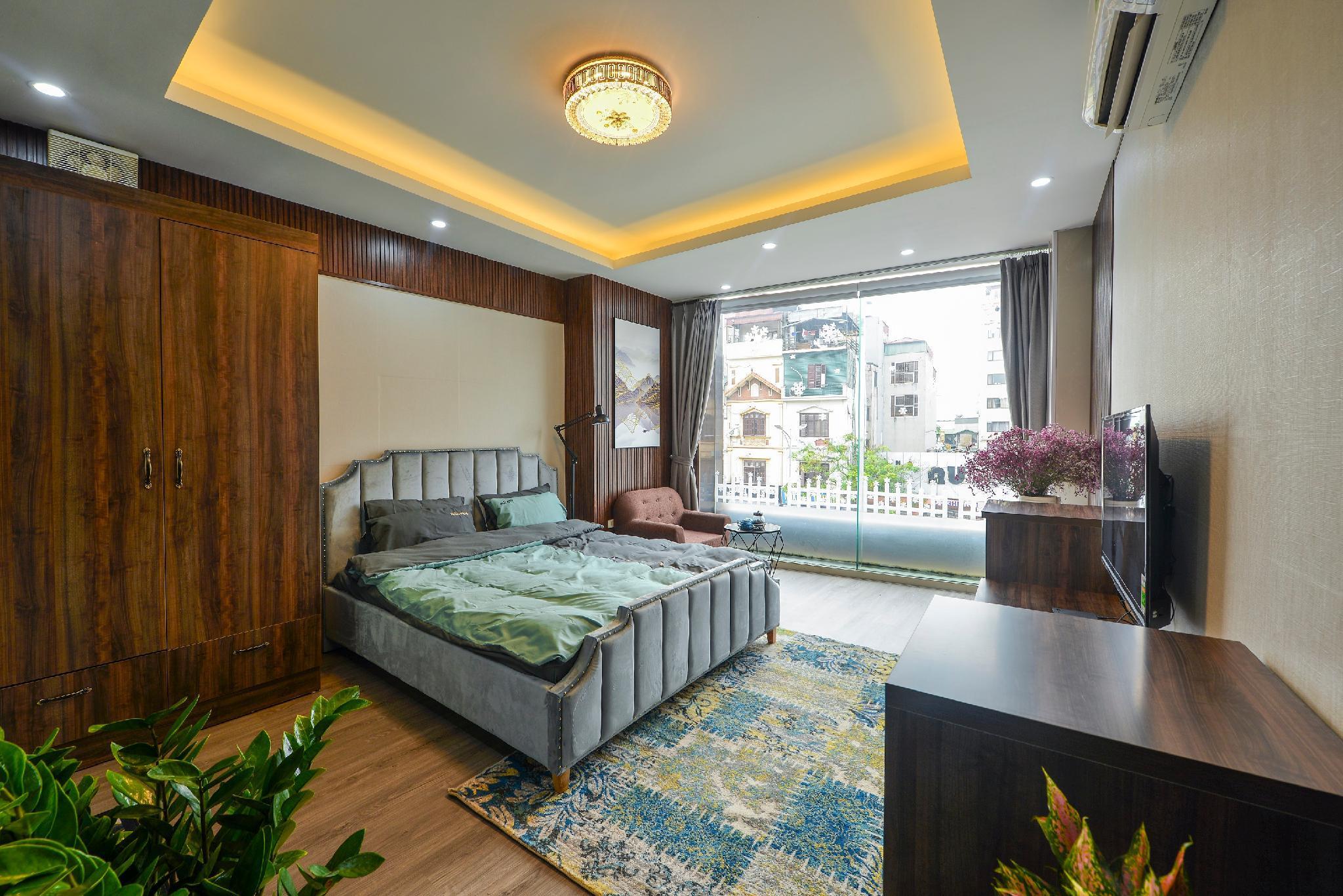 NUOVO New Room W. Massage Bathtub In Center Of HN