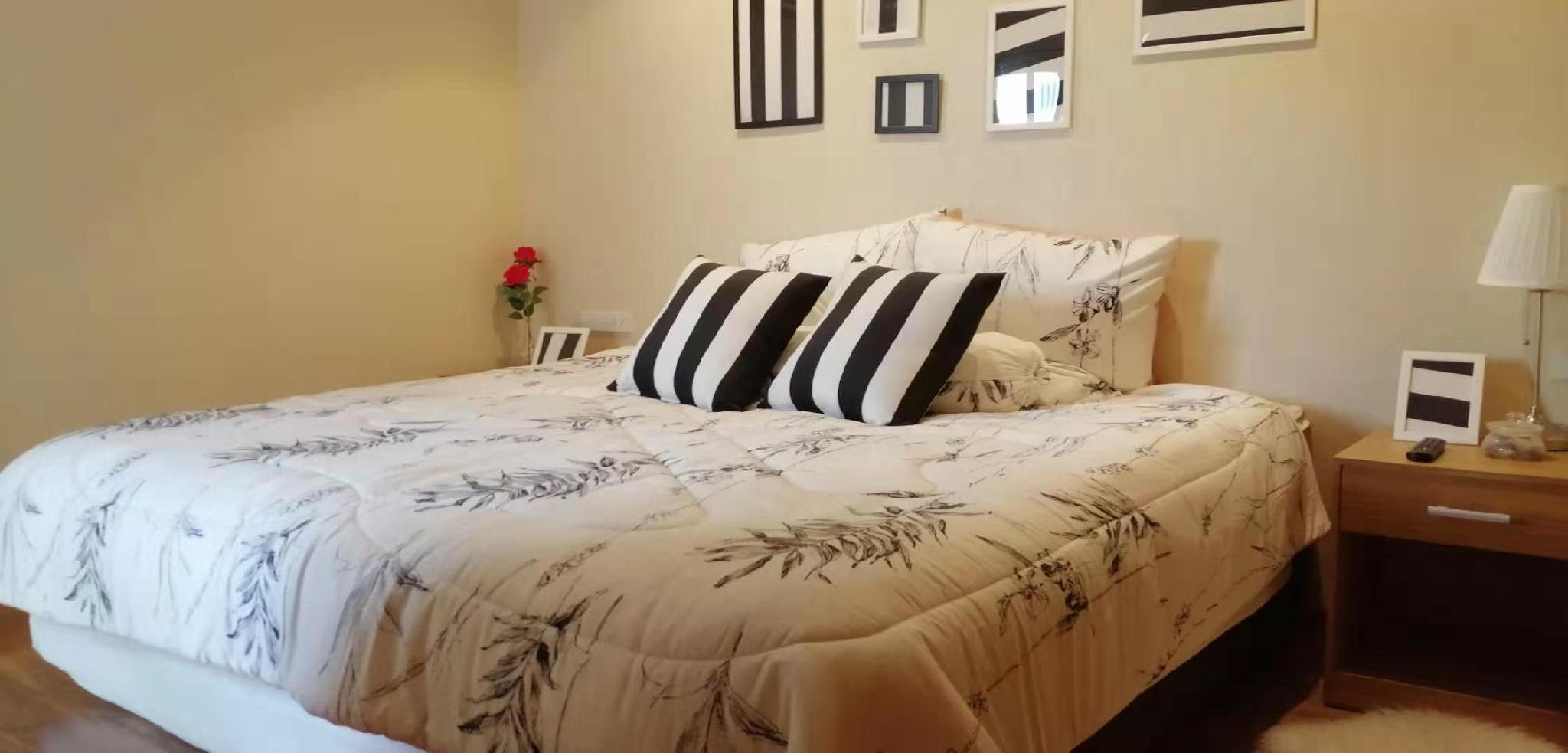 Suiton King Bed Room
