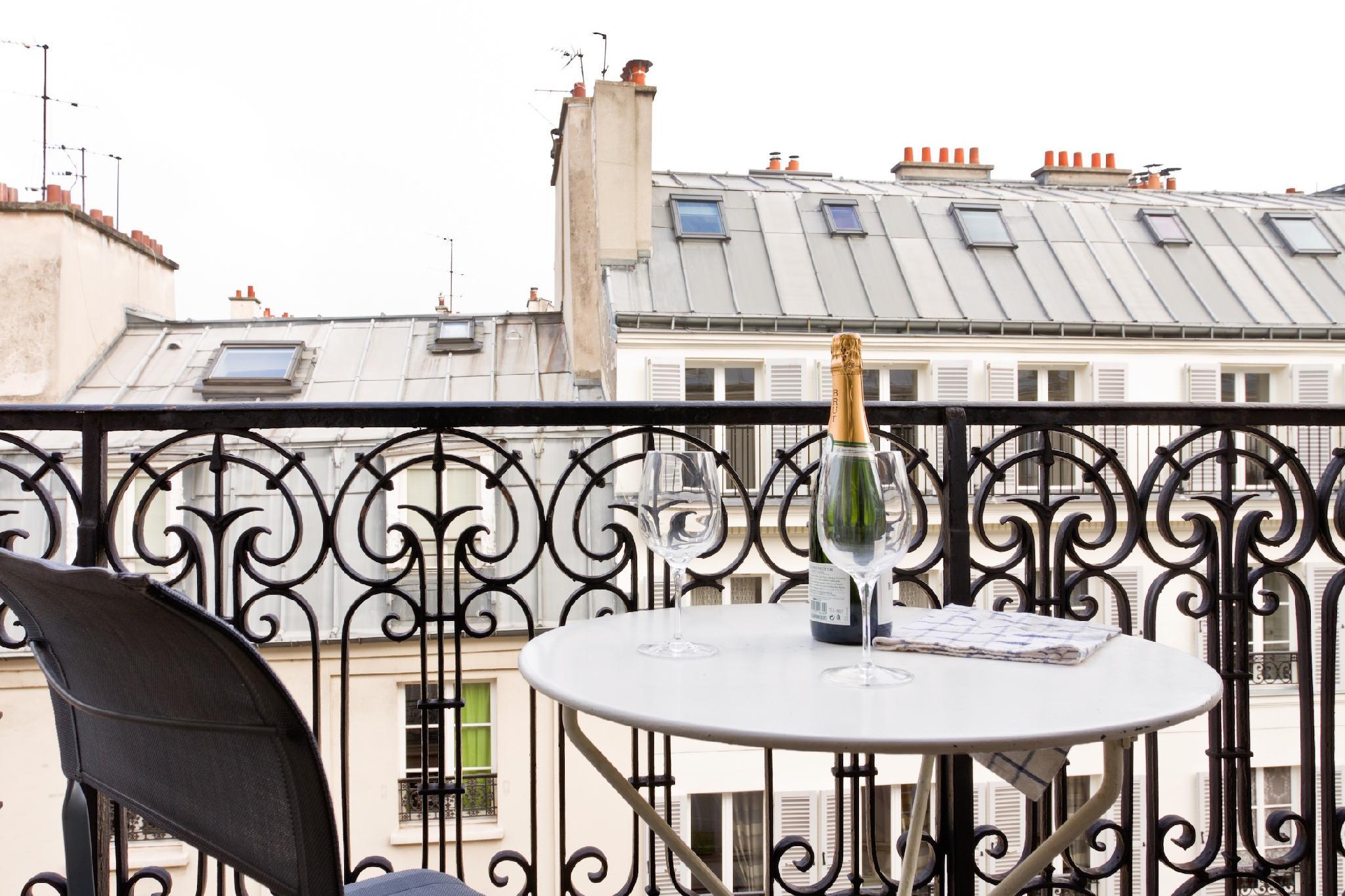 STEPS FROM THE RIVER SEINE LOVELY1BR WITH BALCONY