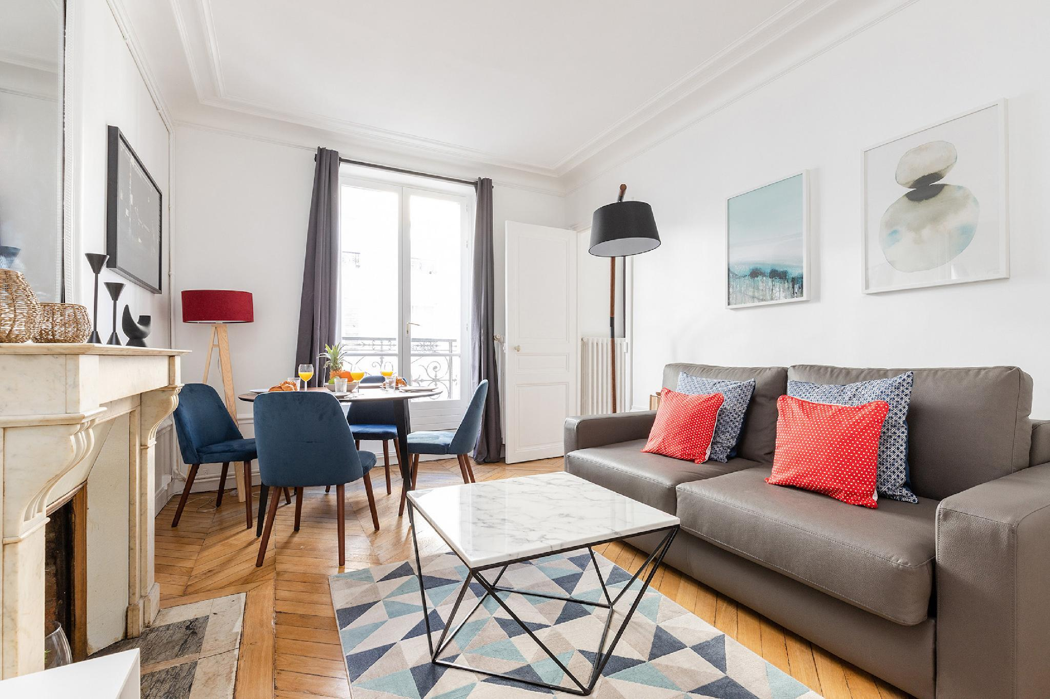 THE SEINE AND LATIN QUARTER-LOVELY 1 BR FLAT