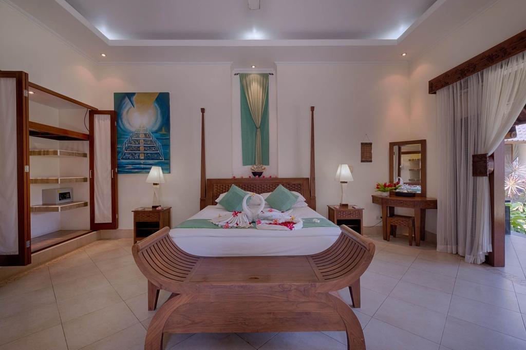 4 BR Pool Villa Garden View+Brkfst @ 14 Ubud
