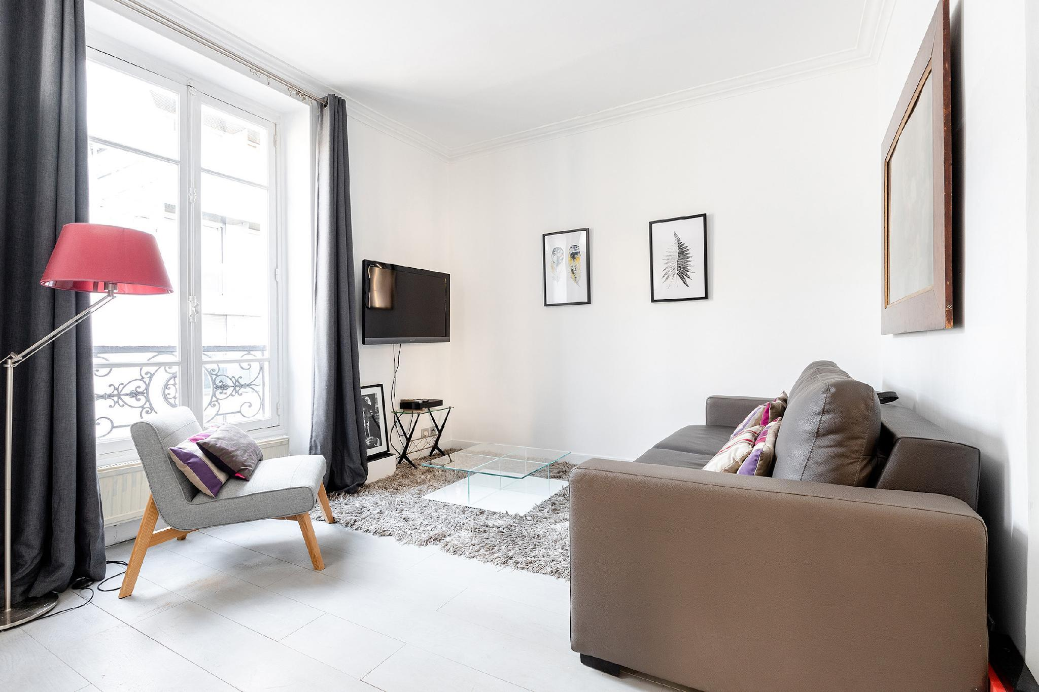LOVELY 1BR - THE HEART OF PARIS-EIFFEL TOWER VIEW!