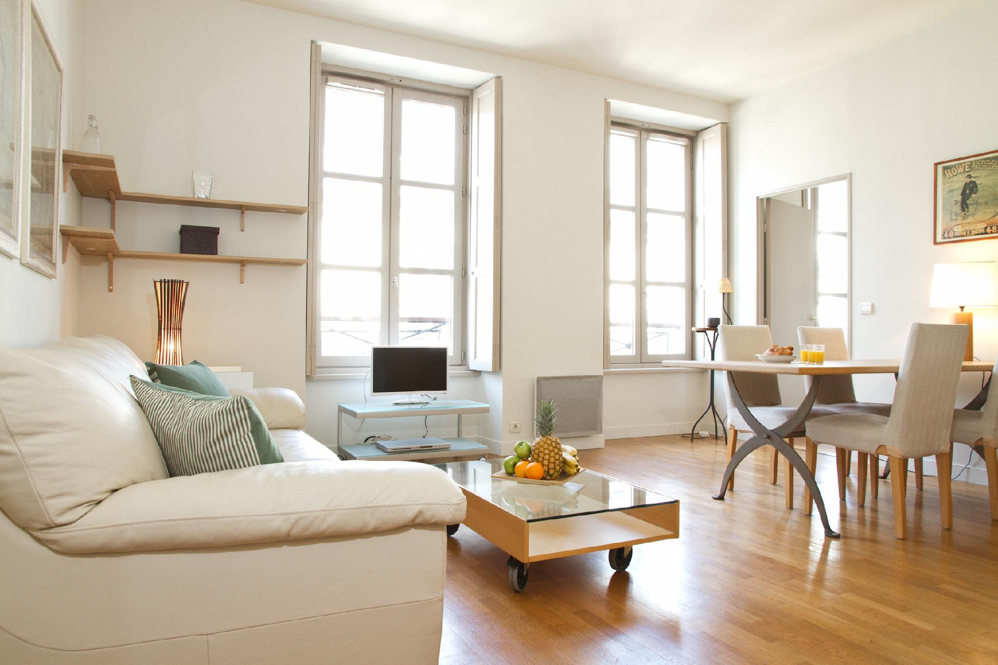 IN THE HEART OF PARIS NEXT TO OPERA -LOVELY 1BR
