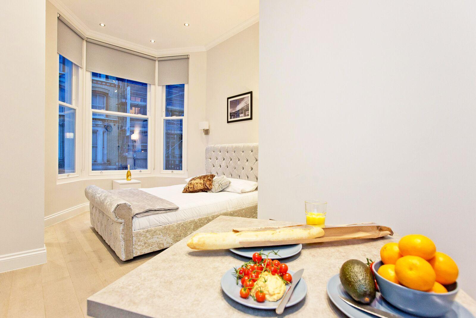 Modern 1 bed flat in Kensington (Flat 7)