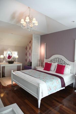 The Warm Pillow,  City center private villa  Chiang Mai