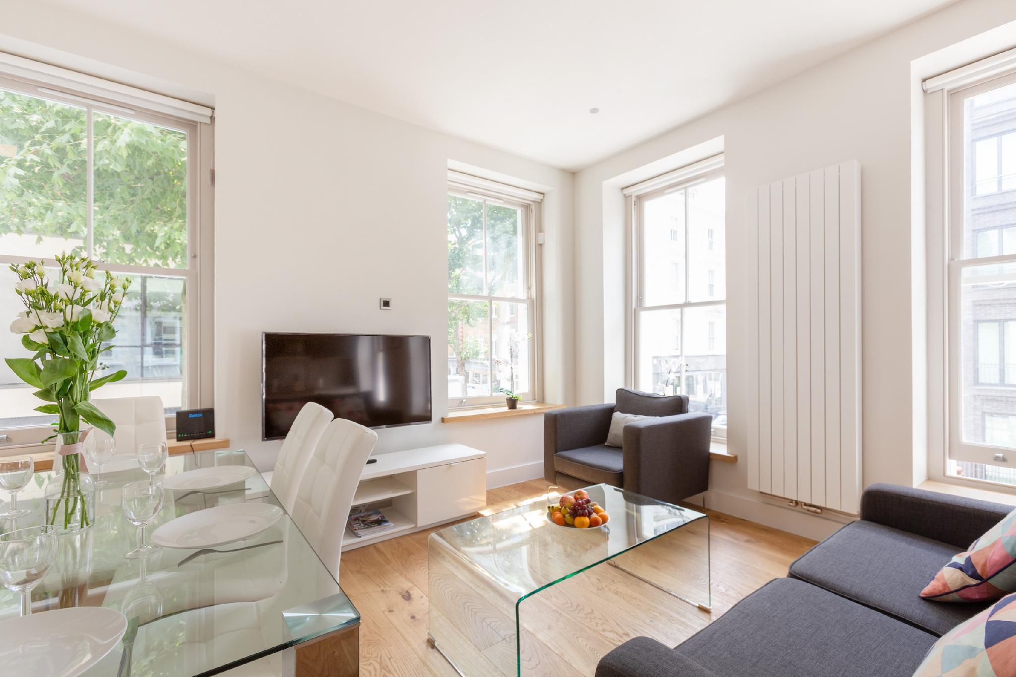 BEAUTIFUL 3BR FLAT-  IN THE HEART OF FITZROVIA
