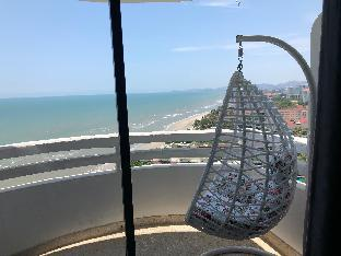 Panoramic beach view from personal balcony สตูดิโอ อพาร์ตเมนต์ 1 ห้องน้ำส่วนตัว ขนาด 34 ตร.ม. – ชายหาดหัวหิน