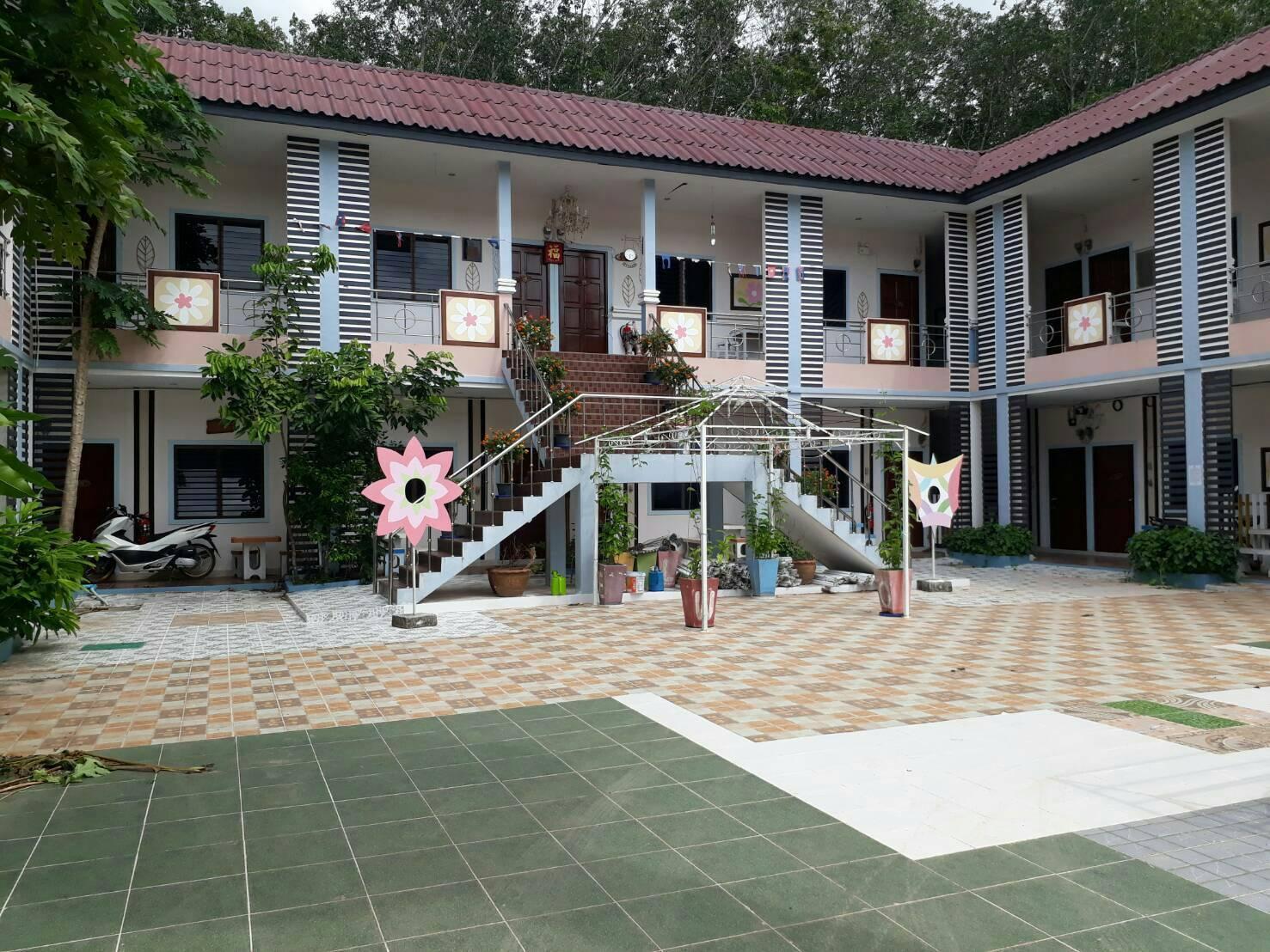 Ban Suan Kularb Surat Thani AirCon Room 4