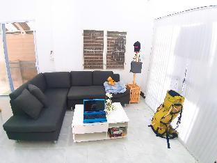Mj Couch for 1or2  Person in my living room. บ้านเดี่ยว 1 ห้องนอน 1 ห้องน้ำส่วนตัว ขนาด 5 ตร.ม. – แม่โจ้