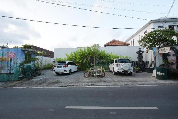 Chitra Villa Bali - Seminyak 1 Rustic Minimalist