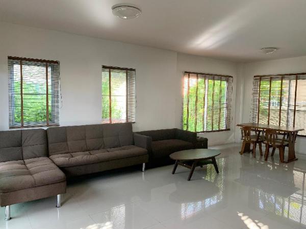 Natural and Enjoyable Jinbei Villa 240 Chiang Mai