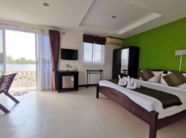 Koh Lanta Guest House triple aircon Koh Lanta