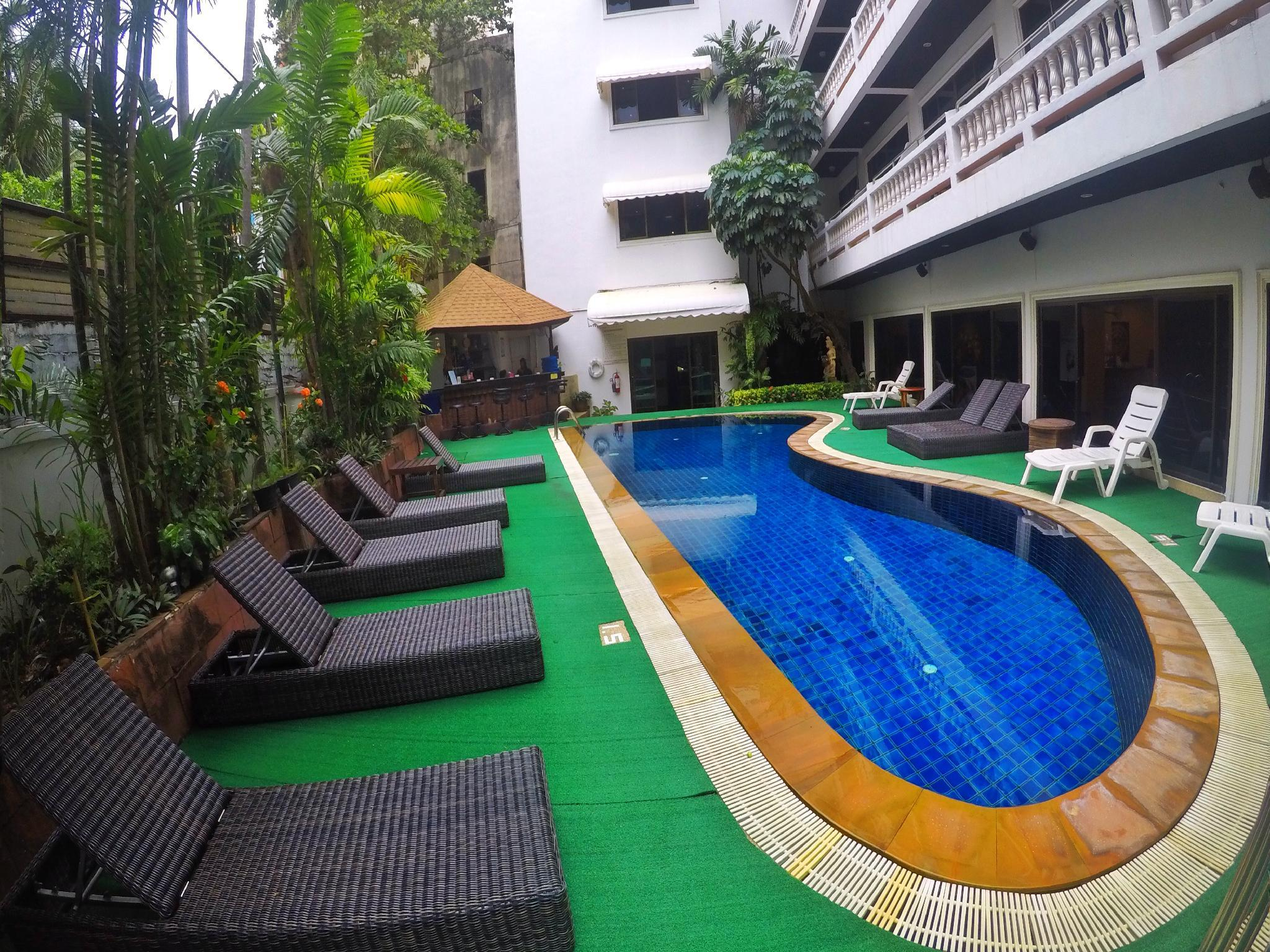 Pool View 2 Bedroom Apt in center of Patong #b2