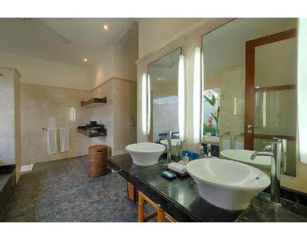 4BR Luxury - Pool Villa Garden View with Breakfast