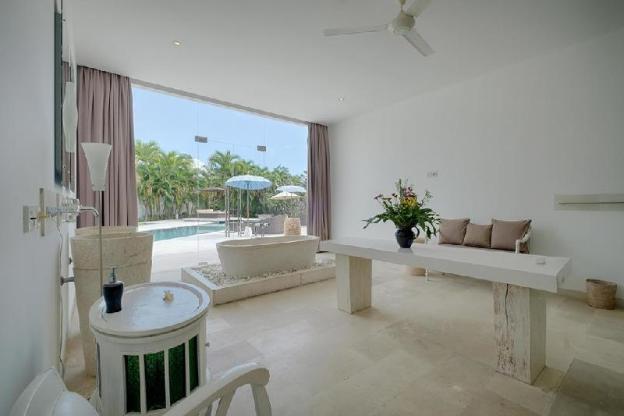 2 Bedroom Luxury Villa with Breakfast