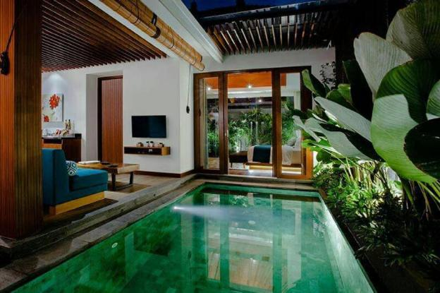 Honeymoon 1BR Private Pool Villa Legian Kuta #218