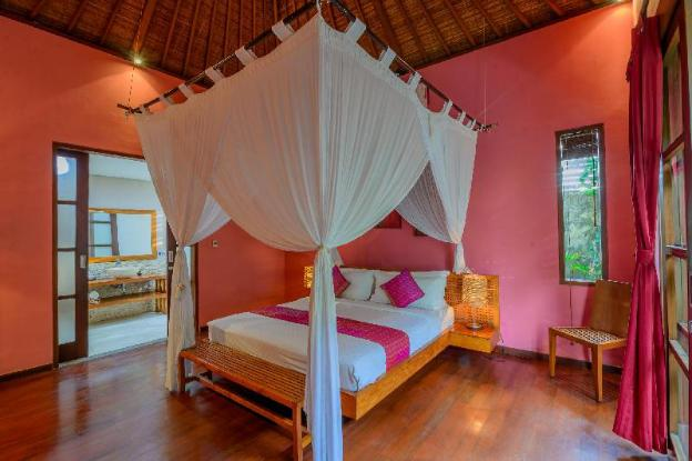 Luxury 3BR Villa nearby Double six beach