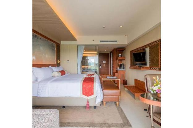 1 bedrooms with AC + balcony + lake partial view