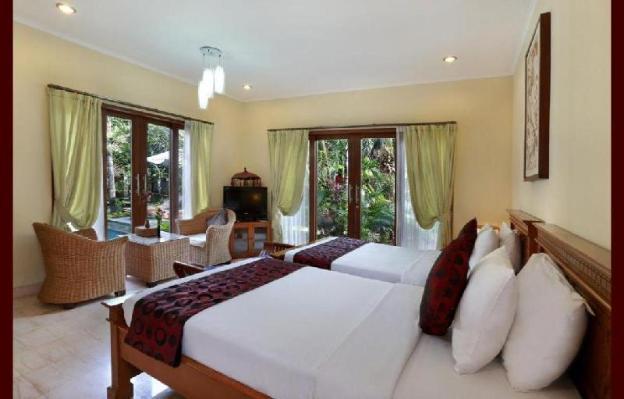 2BR Beautiful Presented Private Villa