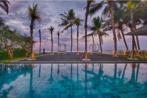 Luxury 5BR Villa with Beachfront & Private beach