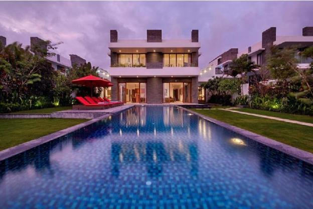 Stunning  Pool Villa Beach Front 5 BR+B'fast  kk62