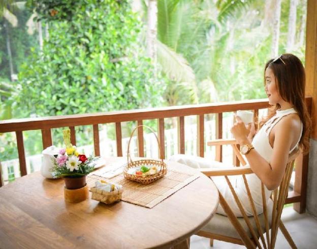 1 BR Deluxe Villa - Breakfast