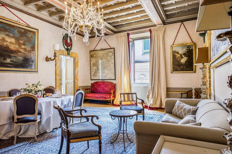 Navona Luxury and Historical Apartment