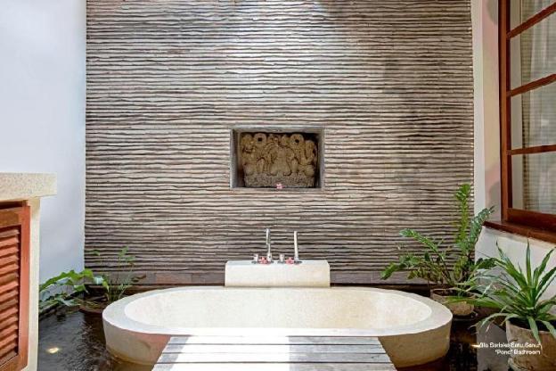 Luxury Villa with Private Pool, Chef & Beach Acces