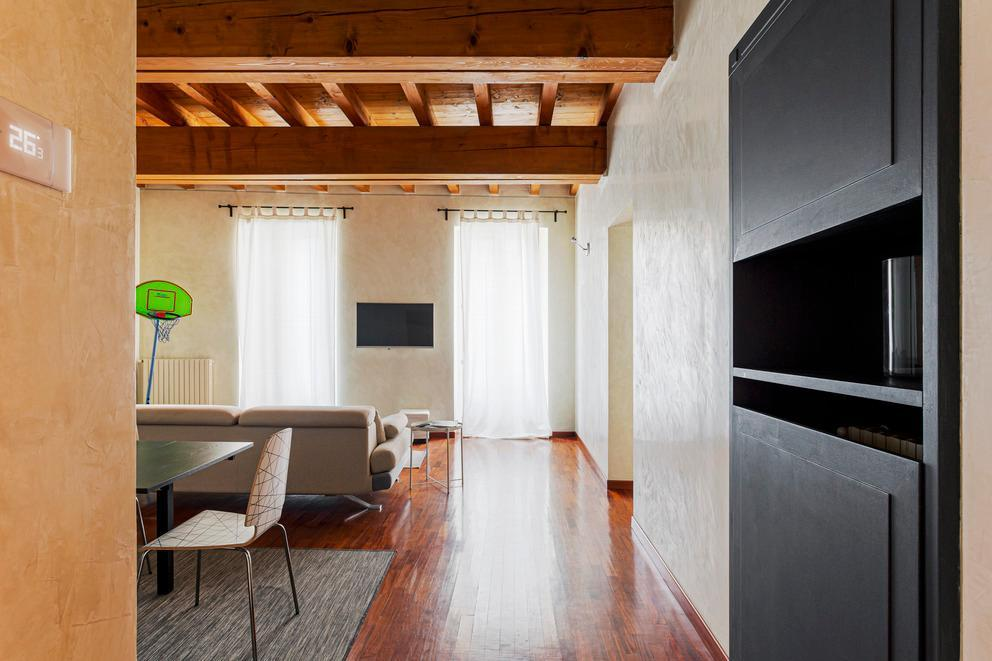 Wide apartment in the heart of Brera- Madonnina