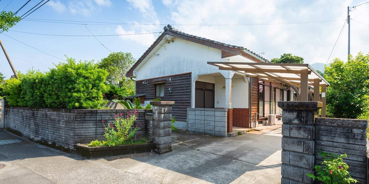 Weekend house in the warm area near the Sakurajima