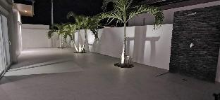 [ヒンレックファイ]ヴィラ(170m2)| 4ベッドルーム/3バスルーム Fantastic villa with guesthouse, big pool & garden