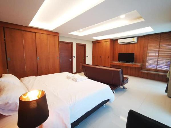 U home condo 2 Bedrooms near old town. Chiang Mai