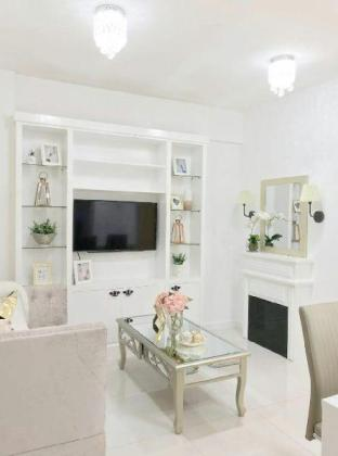 picture 1 of White Chateau at Camella Northpoint