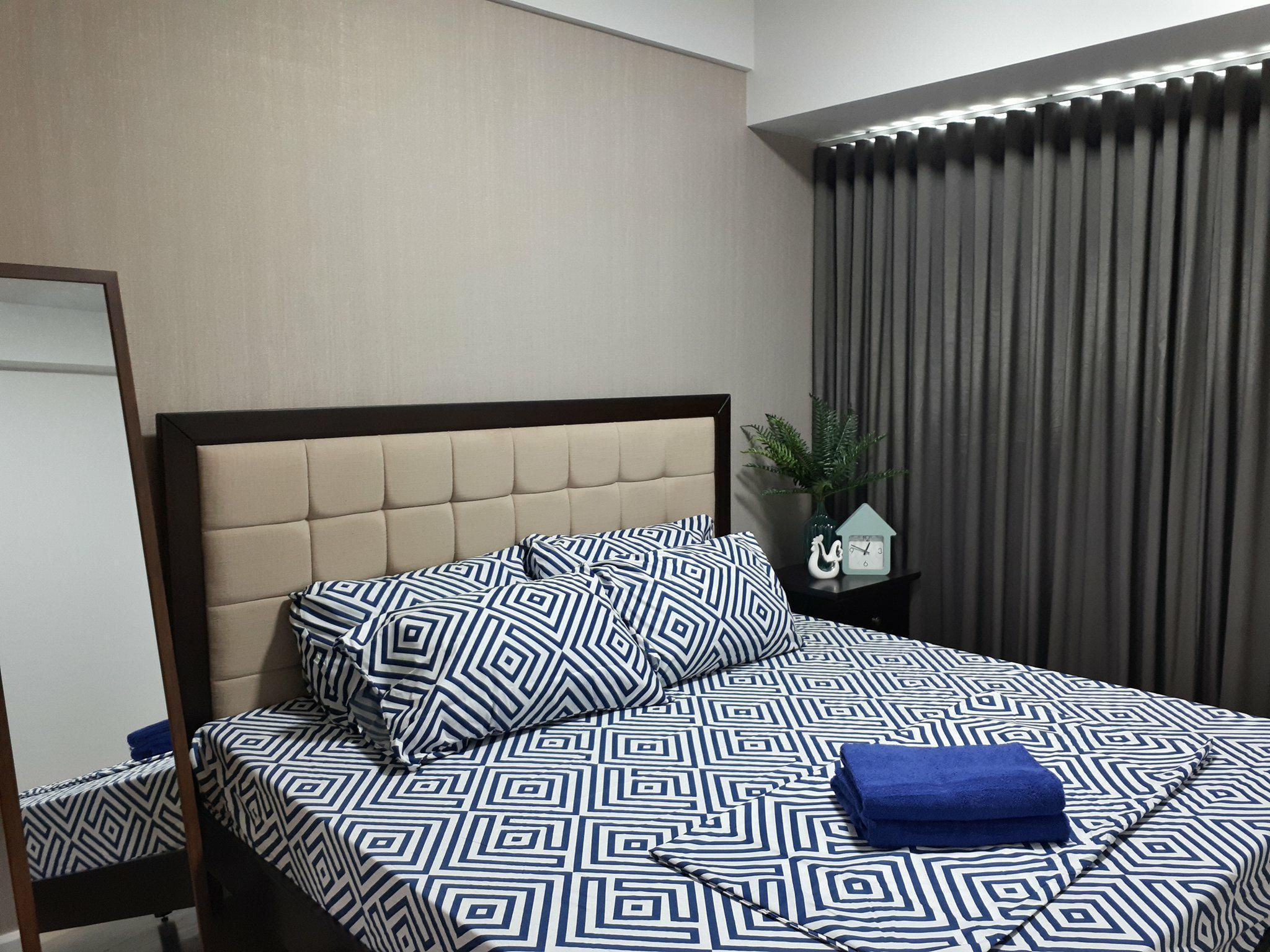 Best Location  1 Bedroom Across Ayala Mall W  WIFI