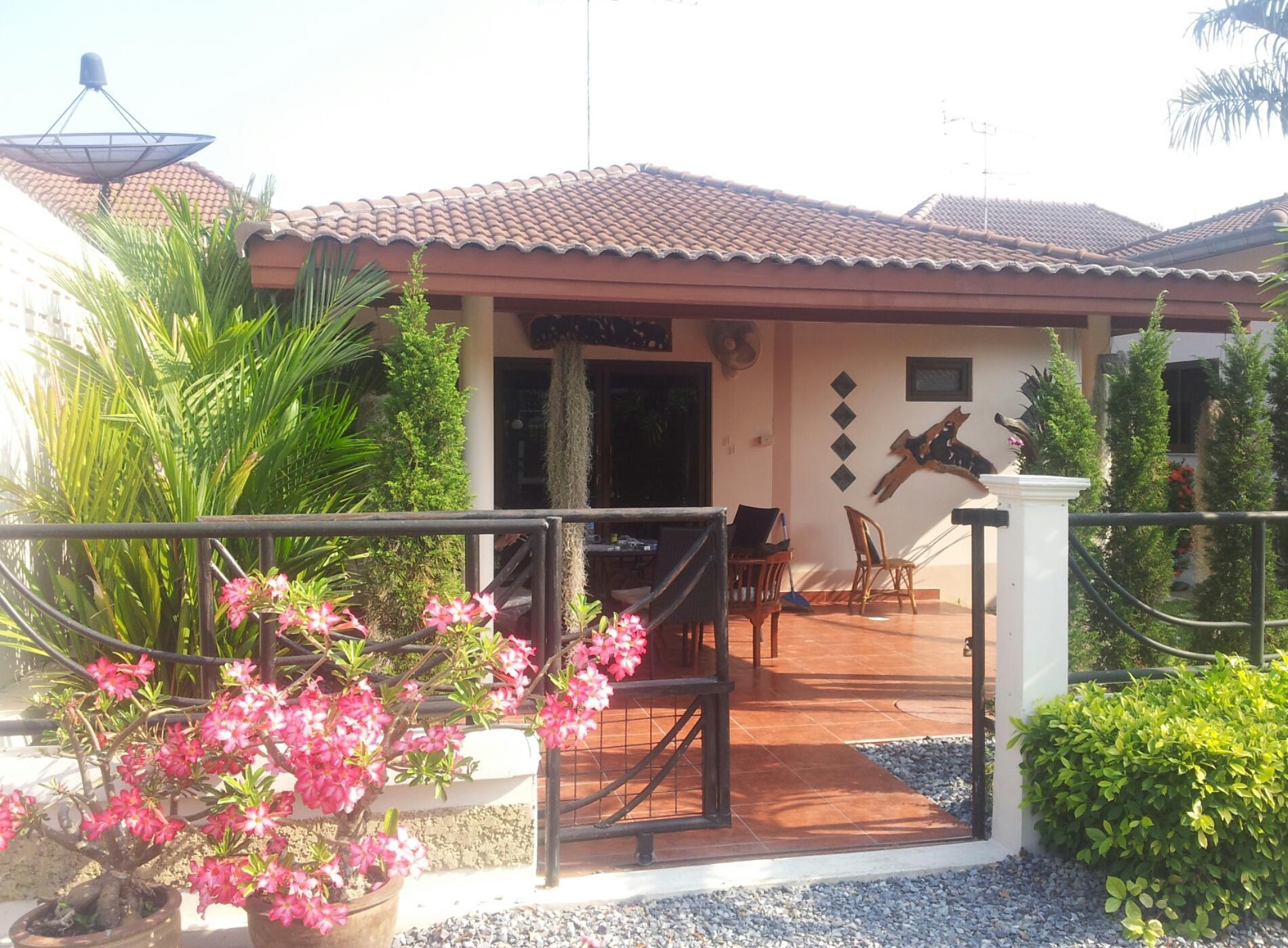 Debbies House.FREE WIFI BBQ GRILL close to Beach. Debbies House.FREE WIFI BBQ GRILL close to Beach.